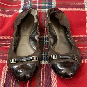 Tahari Veronica leather ballet flat in size 8